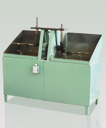 Machine des pièces en série à bras pendulaire